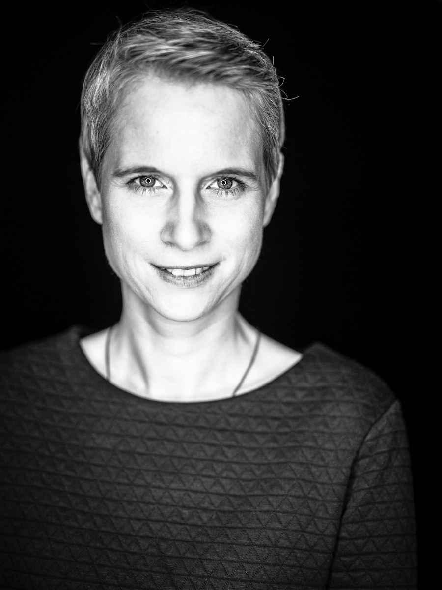 Eva Dölker-Heim schafft Gemälde und Skulpturen